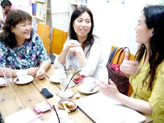 取材中、笑いが絶えない3人。みんなで一緒に楽しみたいという雰囲気が言葉を使わずとも伝わってくる