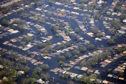 ハリケーンによって水没したニューオーリンズ(写真:wikipedia)